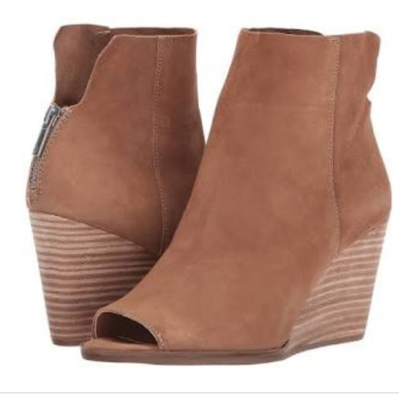 2b566501a09 Lucky Brand Shoes - New Lucky Brand Urbi Wedges